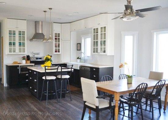 白と黒でシンプルなお家カフェ