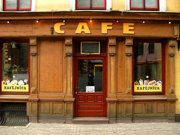 レトロなカフェ