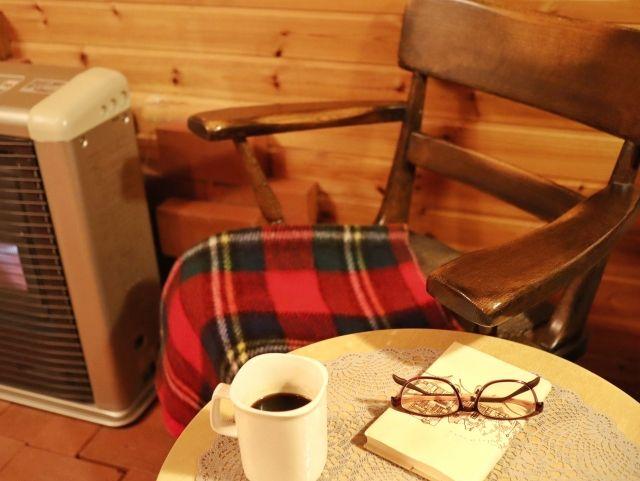 コーヒーと本とストーブ