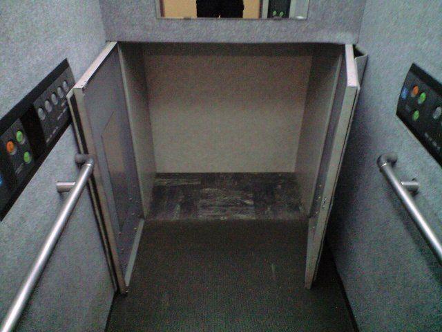 トランク付エレベーター