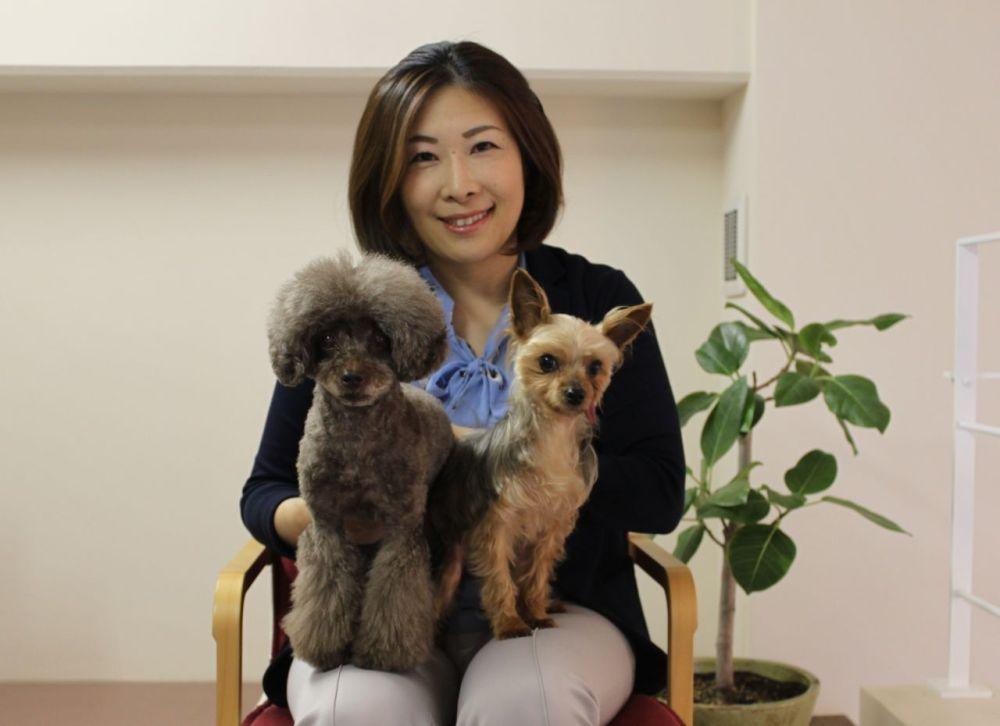 山岸社長と愛犬たち