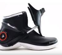 スマホと連動する未来の靴