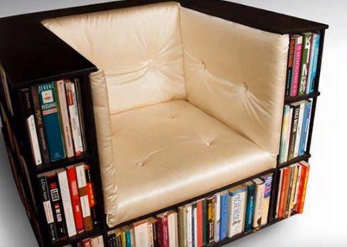 本棚とソファーをくっつけて