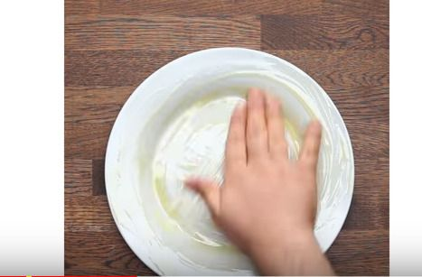 オリーブオイルを直接塗って