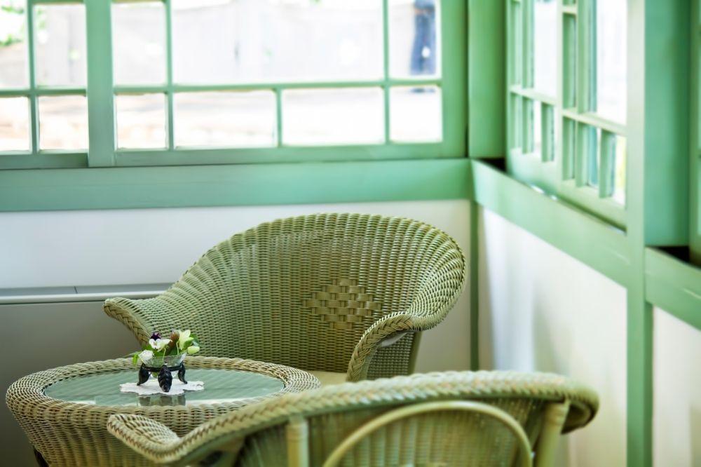 グリーンで統一された家具