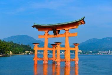 広島県のシンボル 宮島の大鳥居