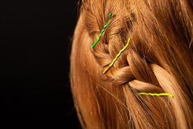 ショートヘアのお呼ばれヘアアレンジ法