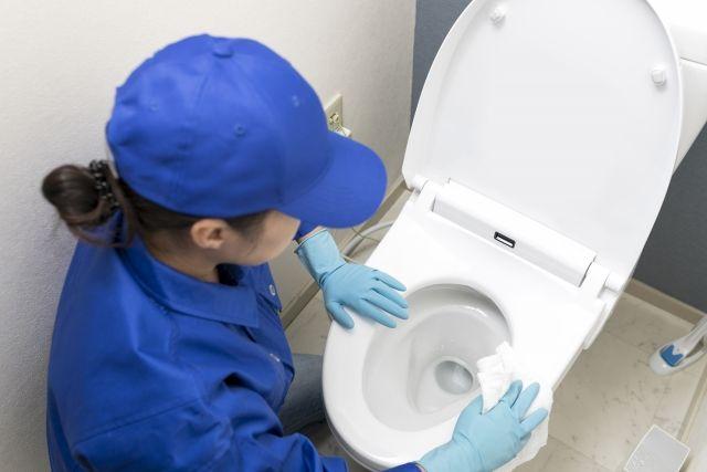 ウォシュレット付きトイレを掃除する業者