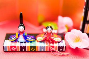 ひな祭りで飾る雛人形