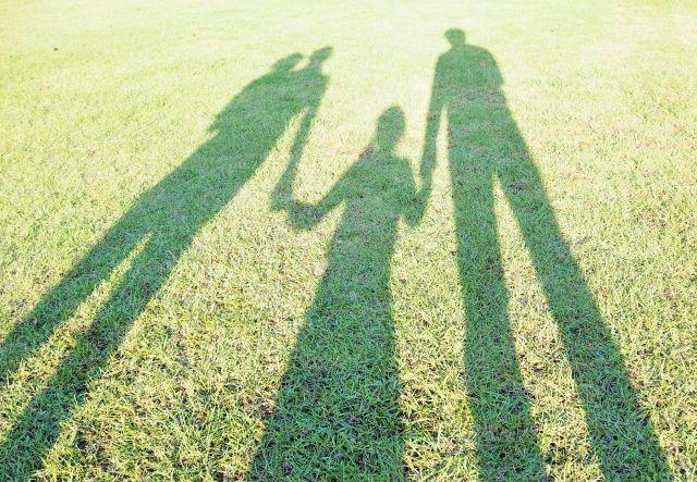 熊本の自然で家族が暮らすイメージ
