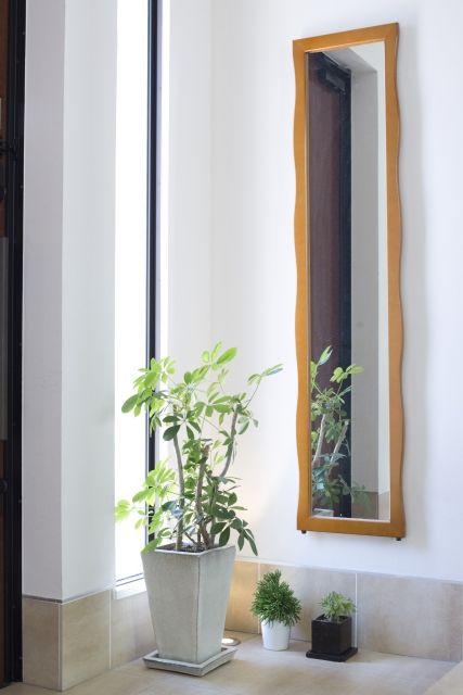 シューズインクローゼット隣にある鏡