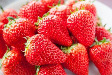 甘いイチゴの見分け方