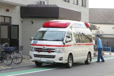 熱中症 救急車に運ばれる