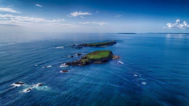空撮した無人島