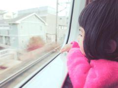 パパママを悩ませる電車内での子どもの行動!行動の理由とマナー対策まとめ