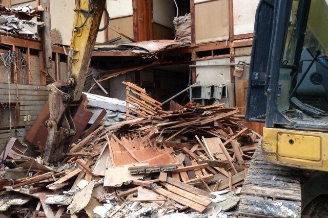 解体工事会社の斡旋サイトを利用する際のメリットとデメリット