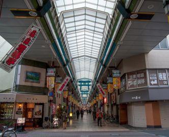 ぜひ行きたい天神橋筋商店街の魅力とおすすめグルメとは?(作業中)